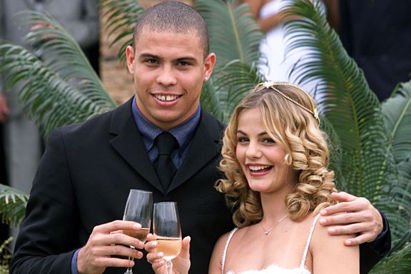 Fotballstjernenes ekteskap fikk stor oppmerksomhet. Nå begynner sønnen å gjøre seg bemerket.