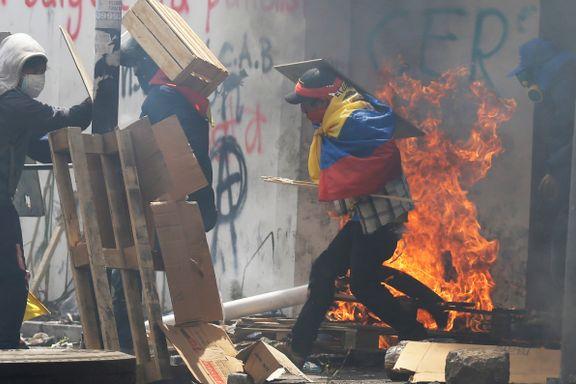 Demonstranter i Ecuador angrep TV-stasjon