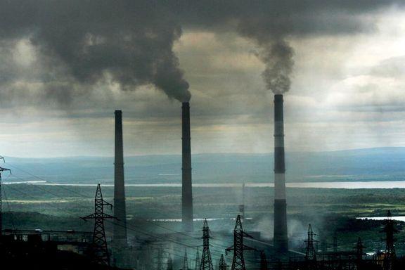Nikel-verket ved den norske grensen spyr ut forurensning. Nå vil russisk milliardær gjøre produksjonen grønn.