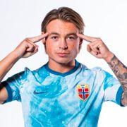 Han er fra Norges fremste fotballfamilie. Nå kan han få til det pappa og bestefar aldri greide.