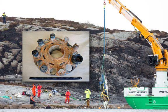 Dykkere har funnet savnet del etter helikopterstyrten på Turøy
