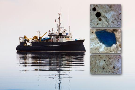Ørsmå plastbiter flyter i Oslofjorden. Opphavet overrasker forskerne.