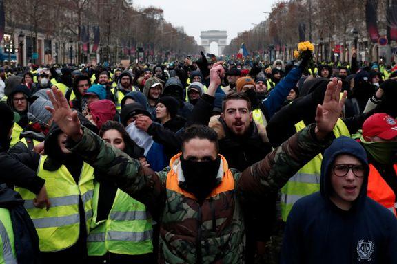 Regjeringstrøbbel i Sverige, brexit-kaos og store demonstrasjoner i Paris. Krisene har flere fellestrekk.