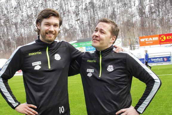 Halvparten av lagkameratene var ikke født da Ken Arne (41) debuterte i 3.-divisjon