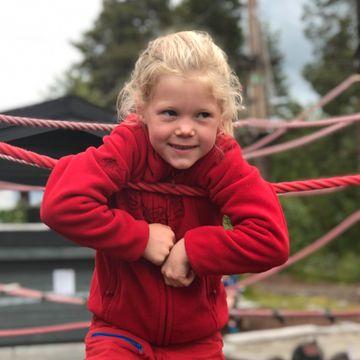 Emily (8) var plaget av magesmerter siden hun var baby. En undersøkelse ga henne bedre liv.