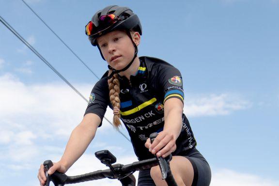 For tre år siden var hun for syk til å gå på skolen. Nå er Tuva (16) et av Norges største sykkeltalenter.