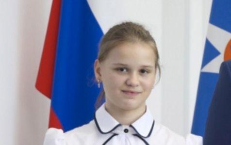 Julia (12) er nå Russlands store helt. Men heltedåden skjuler en rystende historie fra «Dødens øy».