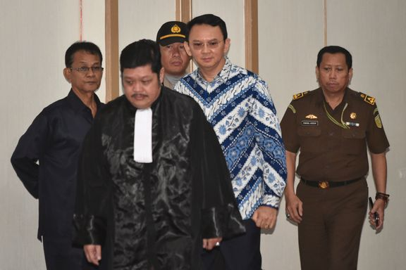 Kristen guvernør dømt til to års fengsel for blasfemi