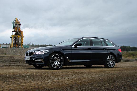 Prøvekjøring av BMWs 5-serie Touring: – Etter en lang tur føles det som man har sittet i sofaen hjemme.