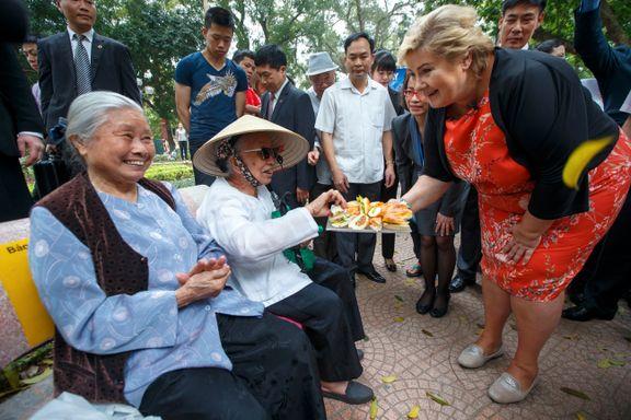 Menneskerettighetter er ikke Erna Solbergs eneste hodepine når hun drar til Kina for å selge laks.