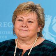 Erna Solberg om gull-kritikken: – Jeg synes den er rar