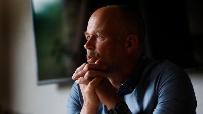 NRK beskyldes for å drukne kultur og kvalitet i skravling: – Jeg mener vi gjør mye bra