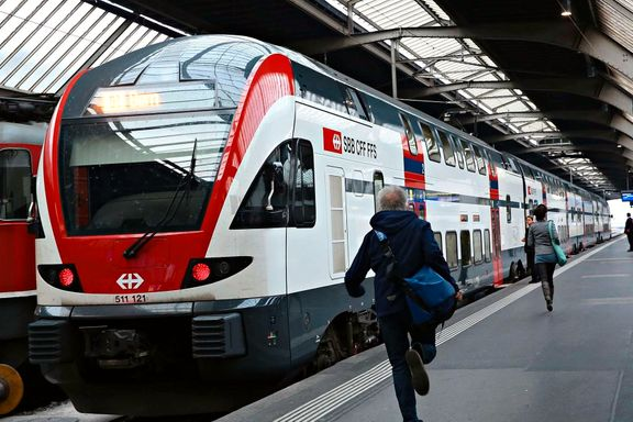 Nå kan det bli bedre for pendlere på Østfoldbanen: Passasjerene skal stables i høyden