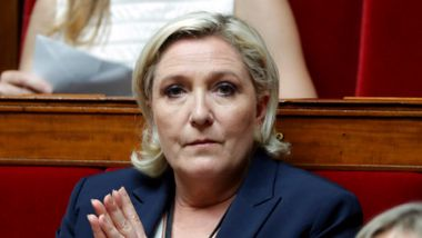 Hun var en fanebærer for Europas ytre høyre. Nå er Marine Le Pen i trøbbel.