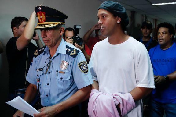 Han er en av tidenes største stjerner. Advokaten kaller ham «dum» etter tabben som sendte ham i fengsel.