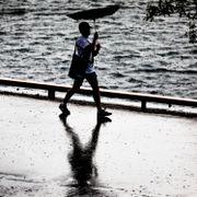 Gult farevarsel om kraftige regn- og tordenbyger på Østlandet