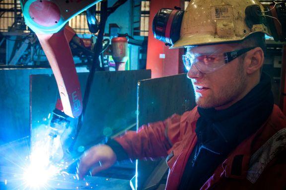 Roboten Tord gjør åtte manns jobb. Likevel sikrer den jobbene til de ansatte.