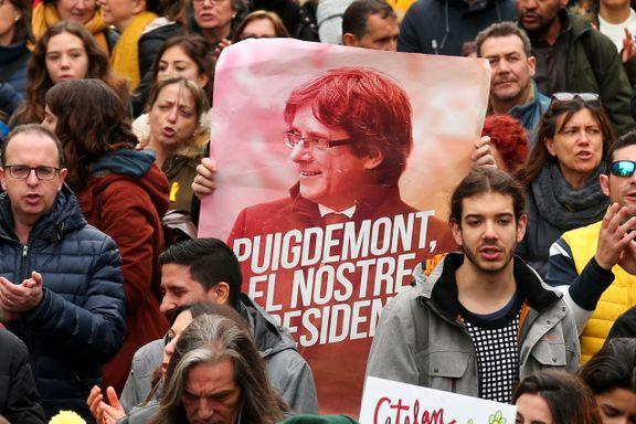 Sammenstøt mellom demonstranter og politi etter at Catalonias tidligere president ble satt i fengsel