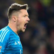 Premier League-keeper unngikk straff fordi han ikke visste hva nazihilsen var