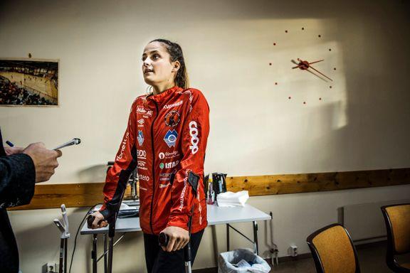 Korsbåndskaden knuste Molde-profilens VM-drøm. Nå hyller hun venninnenes eventyrlige prestasjoner