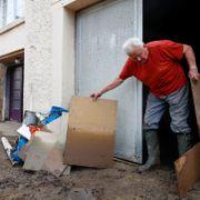 Nye oversvømmelser i Belgia: Minst 25 biler tatt av vannmasser