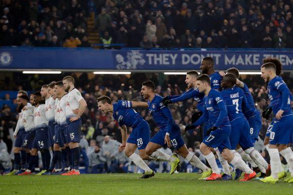 Chelsea til finale i ligacupen etter straffedrama
