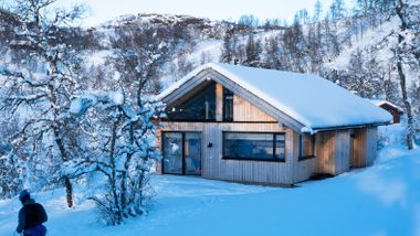 Seks år uten fjellhytte var nok: – Å være på hytta er å leve litt annerledes. Her er vi nærmere på naturen.