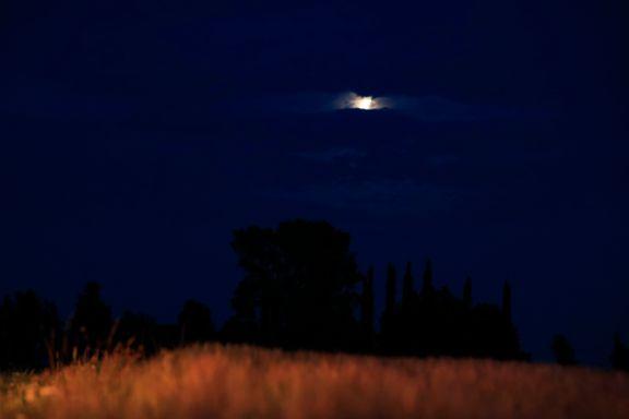 Århundrets lengste totale måneformørkelse skjedde fredag kveld