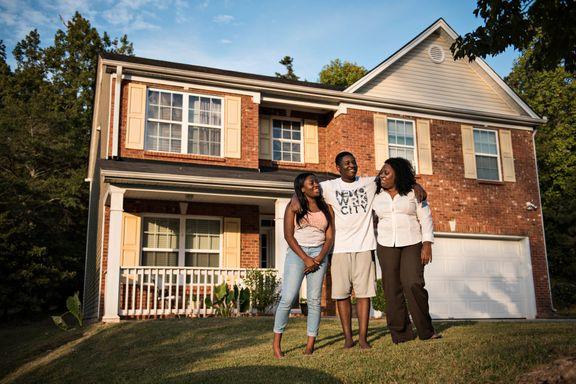 Denne familien får kjeft fordi de er for «hvite»