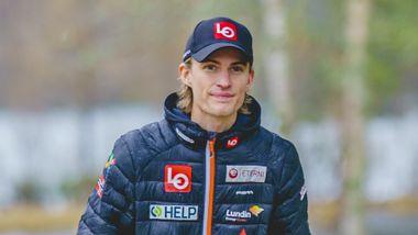 Her er Tande tilbake etter skrekkfallet: – Han savner det å hoppe på ski