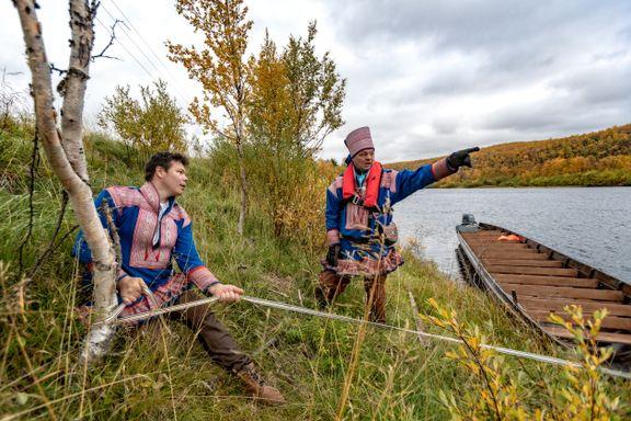 På safari i Finnmark: Elvebåt, lavvo, biđos og historie