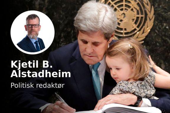 Han tok med barnebarnet for å undertegne Parisavtalen. Nå skal han koble USA på klimajobben igjen.