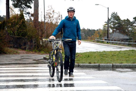 Hva er egentlig dine rettigheter og plikter som syklist? – Du må bruke hodet og oppføre deg.