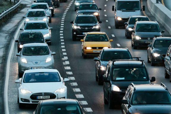 Politikerne vil ha mer miljøvennlig transport. Forskernes prognoser viser en annen utvikling.