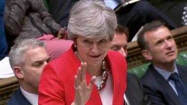 Kaste kortene eller kjempe videre? Her er fem veier videre for Theresa May og britene.