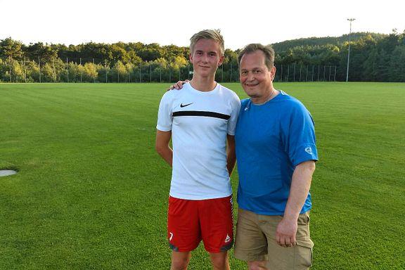 Pappaen flyttet med Brian (17) til Tyskland