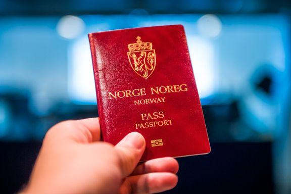 Lang ventetid og kø for å få pass - flere måneders ventetid