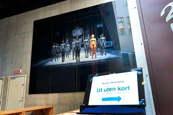 Er dette kunstverket rasistisk? Studentene i Oslo har nå gjort endringer på det.
