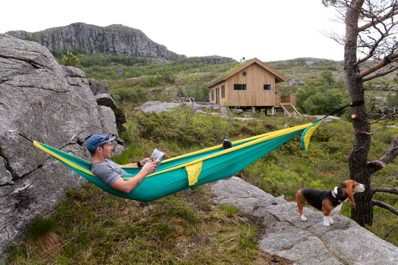 Det enkle hyttelivet: Aleksander teikna og bygde si eiga hytte