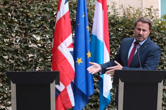 Luxembourgs statsminister til Johnsons tomme talerstol: – Slutt med pratingen og begynn å gjøre noe