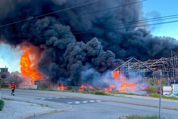 Brann i Sarpsborg førte til voldsom røykutvikling