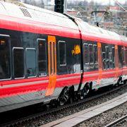 Forsinkelser i togtrafikken på Øst- og Sørlandet. Togene må kjøre i kø.