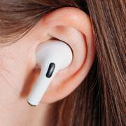 Apple mener den nye lyden er fremtiden. Men eksperter skrur av.