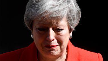 Forsker etter at gråtkvalt May varslet egen avgang: – Hederlig det hun har prøvd å få til