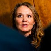 – Lurer på hva i helsike vi skal med en distriktsminister hvis hun ikke evner å uttale seg