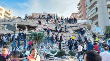26 døde etter jordskjelvet i Hellas og Tyrkia