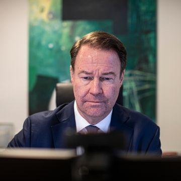 Har et av SAS' «hemmelige» superkort. Men nå vil banksjefen fly mindre.