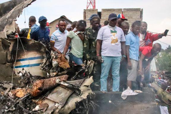 Minst 29 døde da fly styrtet midt i byen
