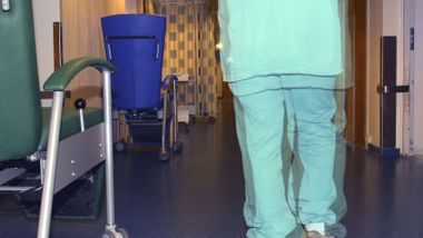 Opp mot én av tre må jobbe i helse og omsorg i 2060
