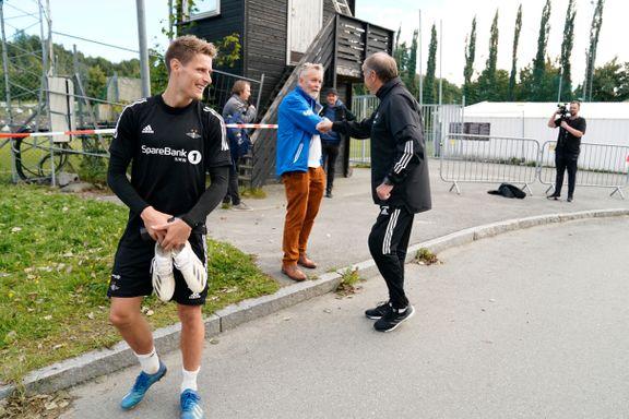Da Åge Hareide kom inn i RBK-garderoben, ble det helt stille